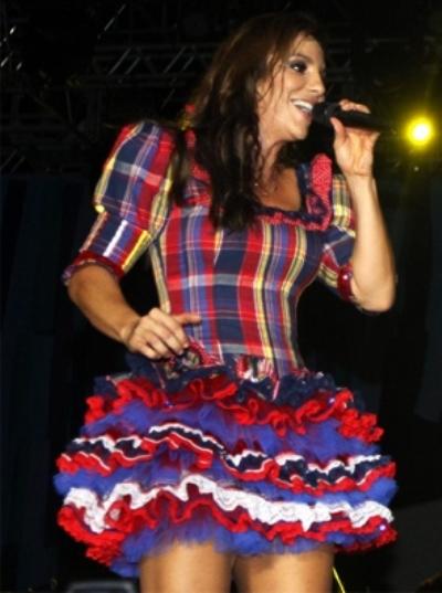 Modelo de Ivete Sangalo mistura festa junina e carnaval (Foto: Divulgação)