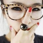 Aposte nas tendências da moda em armações de óculos de grau. (Foto: divulgação)