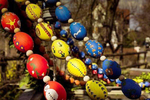 Os ovos pintados podem decorar a casa (Foto Divulgação: Pixabay)