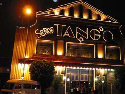 Os espetáculos da cidade, principalmente os de tango, vão deixar você maravilhados. Vale a pena conhecer (Foto: Reprodução)