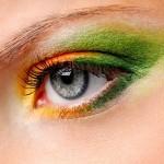 Olho com esfumaçado colorido: como fazer