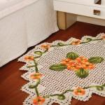 O tapete de crochê deixa a decoração mais aconchegante. (Foto:Divulgação)