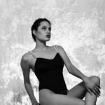 Uma das fotos raras de Angelina Jolie. (Foto:Divulgação)