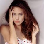 Angelina Jolie teve uma adolescência conturbada. (Foto:Divulgação)