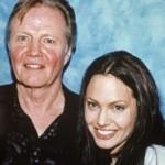 Angelina Jolie e o pai.  (Foto:Divulgação)