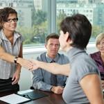 Para conquistar seu primeiro emprego aposte em um currículo de qualidade (Foto: Divulgação)