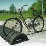 Pneus viram apoio de bicicleta (Foto: Divulgação)