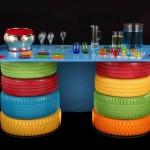 Invista em uma mesa feita com pneus (Foto: Divulgação)