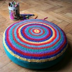 Exemplode puff de pneu com decoraçãode crochê (Foto: Divulgação)