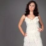 O vestido de noiva de crochê pode ser clássico ou moderno. (Foto:Divulgação)