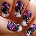 As unhas decoradas com flores são charmosas e delicadas. (Foto:Divulgação)