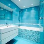 No lavabo ou banheiro com banheira as pastilhas conferem um charme muito especial (Foto: Divulgação)
