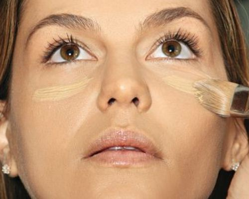 Enquanto não se revolve o problema, o jeito é usar maquiagem (Foto: Divulgação)