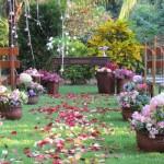 Casamento organizado no jardim. (Foto:Divulgação)