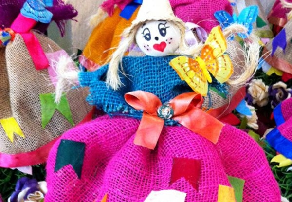 A juta é um material rústico muito utilizado na decoração das festas juninas (Foto: Divulgação)