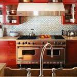 Cozinha recheada de móveis retrô. (Foto:Divulgação)