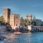 O castelo medieval, onde foi realizado o casamento (Foto: Divulgação)