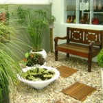 Disponha de bancos no jardim de inverno para o conforto de seus convidados (Foto: Divulgação)