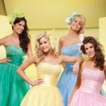 Várias cores de vestidos de debutantes podem ser usadas. (Foto: divulgação)