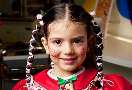 A menina é muito fácil de maquiar e deixar com o make perfeito (Foto: Divulgação)