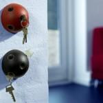 Bolas servem de suporte para as chaves. (Foto:Divulgação)