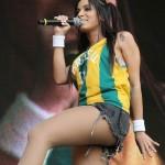 O shortinho é peça-chave no guarda-roupa de Anitta. (Foto:Divulgação)