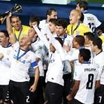 Campeão Mundial e da Libertadores em 2012, o Corinthians foi o time que mais faturou no Brasil, no ano passado (Foto: Divulgação)