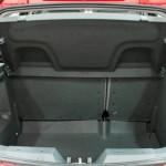 O porta-malas tem capacidade para 327 litros (Foto: Divulgação)