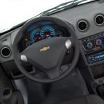 O interior do hatchback está cheio de novidades (Foto: Divulgação)