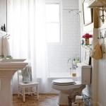 Banheiro antigo, em tom neutro (Foto: Divulgação)