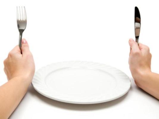 Passar fome extrema não é solução para perder peso (Foto: Divulgação)