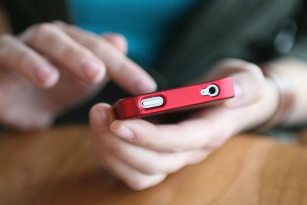 Contando com a ajuda de alguns aplicativos, você pode descobrir se realmente é parecido com alguma celebridade (Foto: Divulgação)