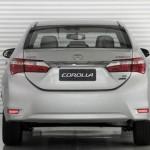 O Corolla 2015 está com um visual bem diferente do modelo anterior (Foto: Divulgação)