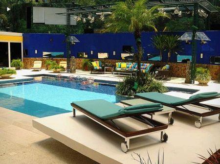 Fotos e ideias para decorar sua piscina for Piscina haas e boa