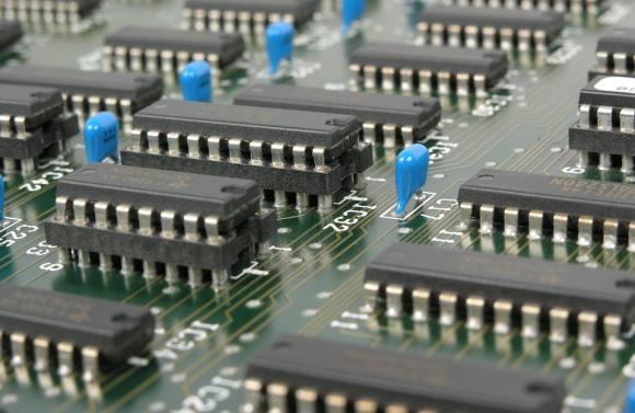 Os cursos online abordam diferentes assuntos sobre tecnologia da informação. (Foto Ilustrativa)