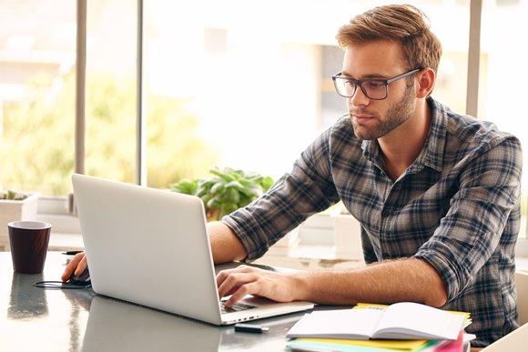 Fazer mestrado à distância assegura flexibilidade de horário para estudar. (Foto Ilustrativa)