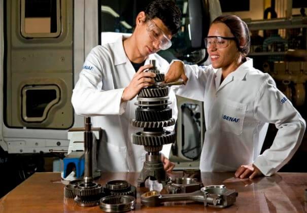 A oferta abrange cursos técnicos e cursos de aprendizagem industrial, em várias áreas (Foto: Divulgação)