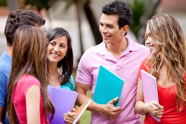 Por meio do programa, estudantes de universidades e faculdades particulares podem financiar todo o curso superior (Foto: Divulgação)