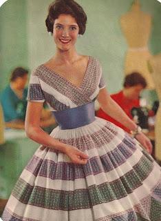 Vestido dos anos 50 (Foto: Divulgação Moda História)
