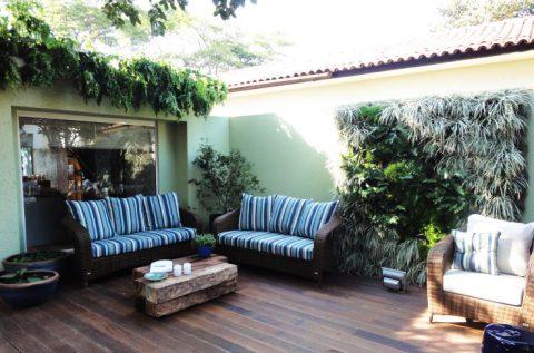 Folhagens se adaptam muito bem nos jardins suspensos (Foto Divulgação: Casa/ Abril)