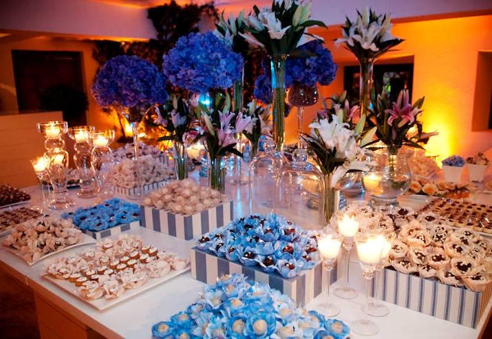 de casamento azul e branco foto divulgação decoração de