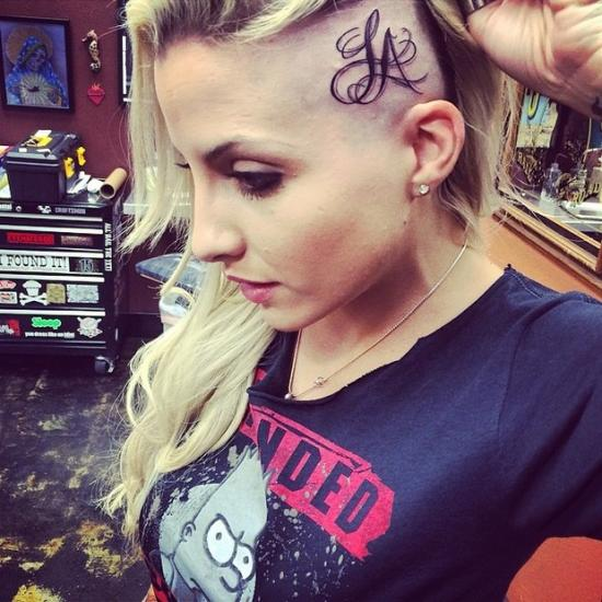 Tatuar a cabeça. Porque não? (Foto: Mdemulher)