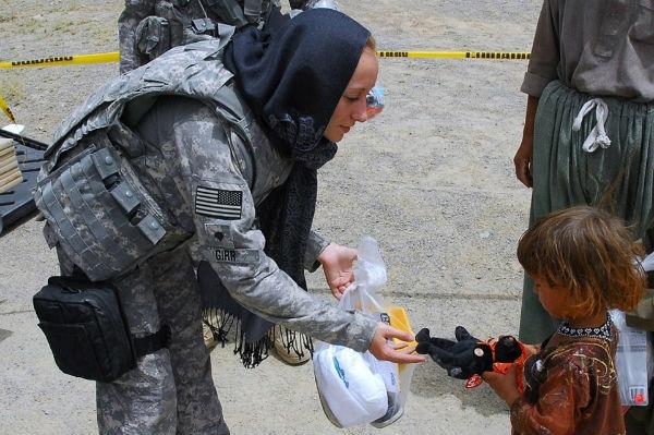 São diversas as formas que as mulheres têm para entrar para a carreira militar (Foto: Divulgação)