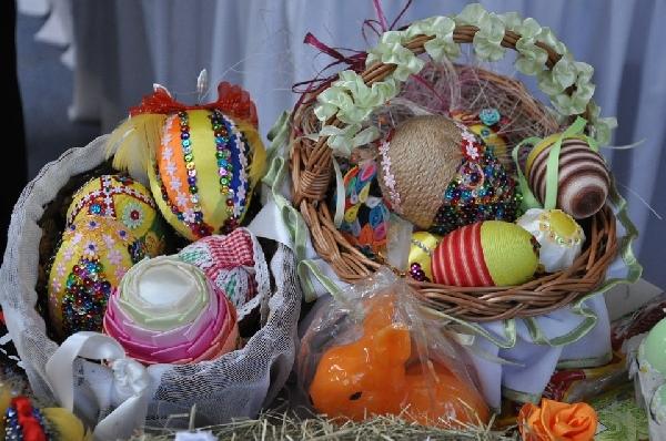 Ovos forrados com tecido para decoração(Foto Divulgação: MdeMulher)