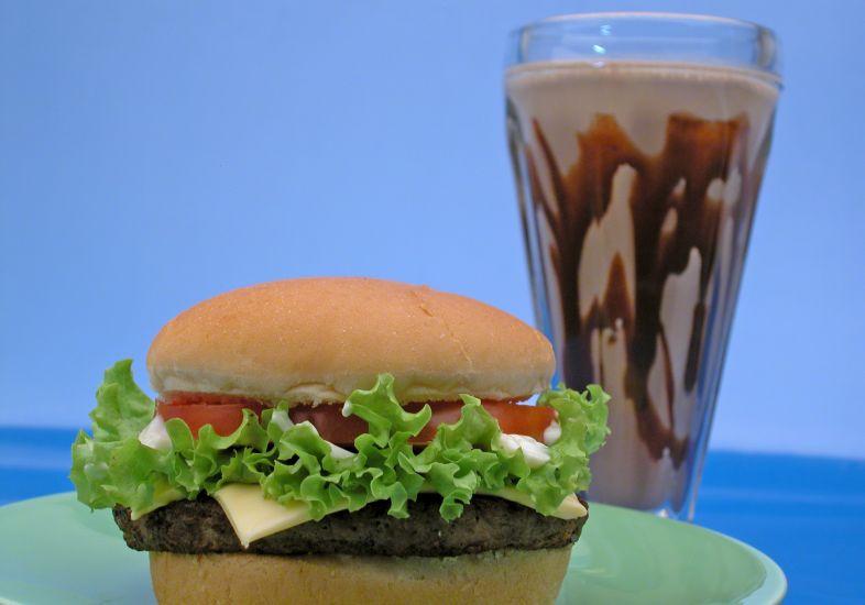 Na dieta dos pontos você pode consumir qualquer alimento (Foto: Divulgação Mdemulher)