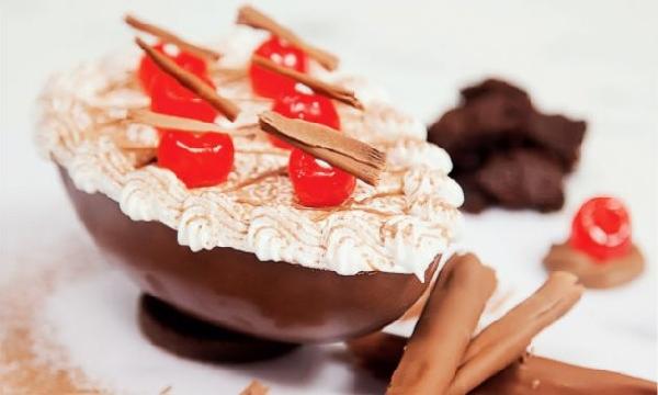Adicione frutas nos ovos sem chocolate a crescente mais sabor (Foto Divulgação: MdeMulher)