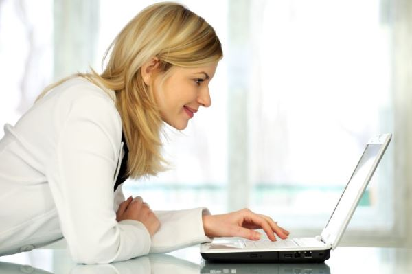 Acesse os canais de comunicação online da Unimed para ter mais informações (Foto: Divulgação)