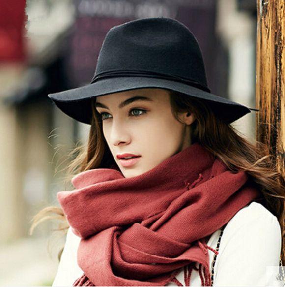 Os chapéus ajudam a proteger do frio e dão ainda mais elegância às mulheres (Foto Ilustrativa)
