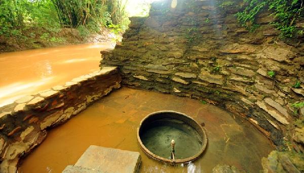 Caldas Novas - Lagoa Thermas Clube possui a única fonte com água brotando a até 57°C, o destino ideal para sua mãe (Foto: Divulgação CVC)