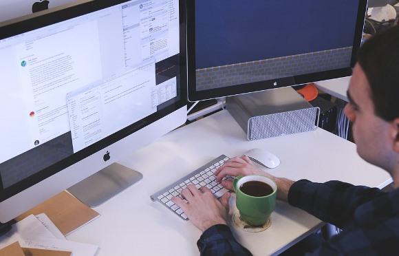 Não perca tempo! Comece a estudar para a redação do Enem. (Foto: Divulgação Pixabay)